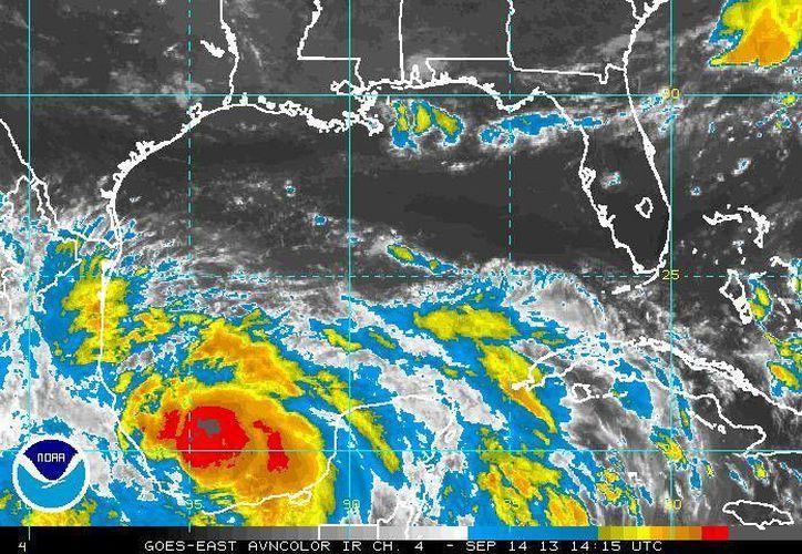 En esta gráfica se aprecia la afectación de Ingrid sobre todo a la altura de Veracruz. (ssd.noaa.gov)