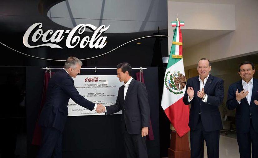 Peña Nieto agradeció la confianza de las grandes empresas, como la Coca-Cola, en invertir en México. (Presidencia)