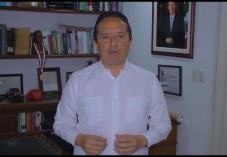 El gobernador de Quintana Roo, Carlos Joaquín González, dio un mensaje a la ciudadanía al finalizar la jornada electoral del domingo. (Cortesía)