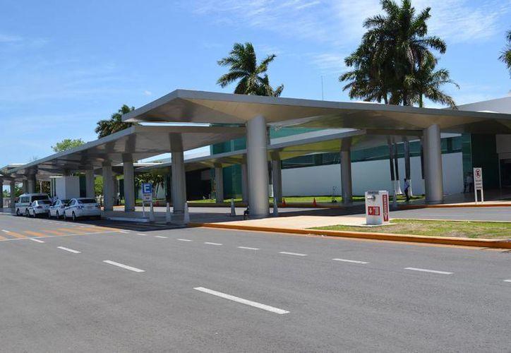 El aeropuerto de Mérida registró un alza del 8.3 por ciento en julio pasado, reportó Grupo Asur. (Notimex)