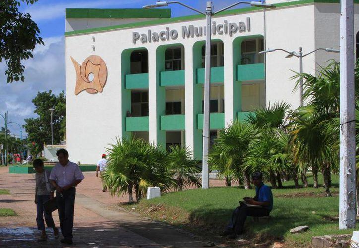 Ayuntamiento de Othón P. Blanco anunció un ahorro en los recursos, gracias al plan de austeridad. (Ángel Castilla/SIPSE)