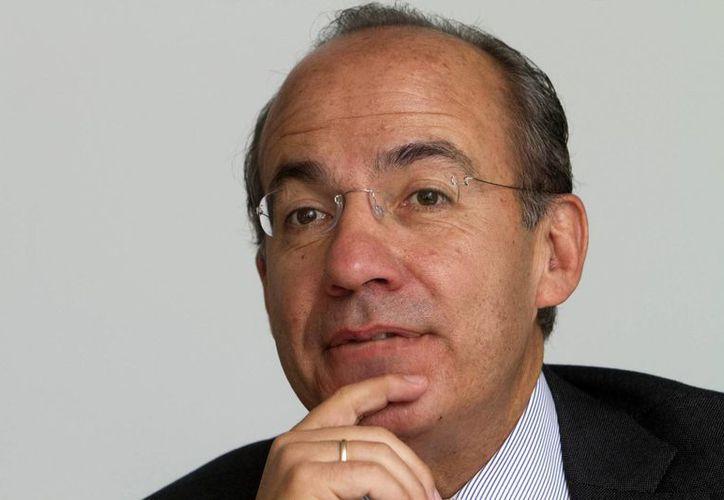 """El expresidente de México, Felipe Calderón dijo """"no podemos seguir así, volteando para otro lado ante lo que está pasando en Venezuela"""". (EFE)"""