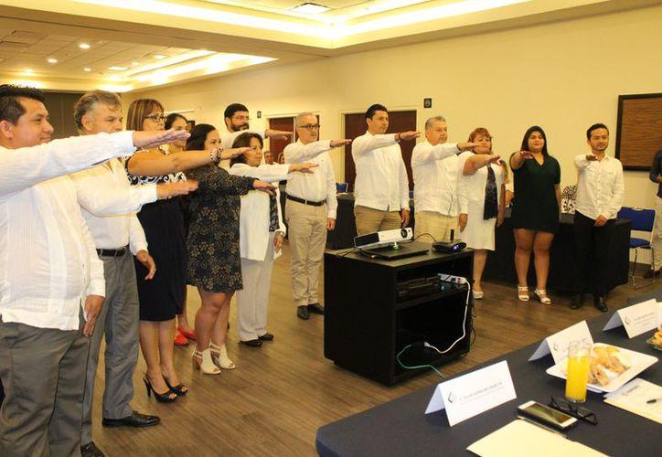 La toma de protesta del Comité Directivo de Sindemex. (Adrián Barreto/SIPSE