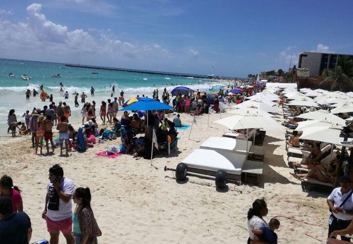 Las playas son concurridas por turistas nacionales y extranjeros. (Adrián Barreto/SIPSE)