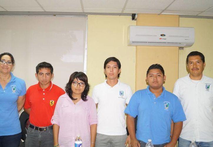 Alumnos del Instituto Tecnológico de Cancún (ITC), a principios de octubre participaron en el Evento Nacional de Innovación Tecnológica 2014. (Redacción/SIPSE)