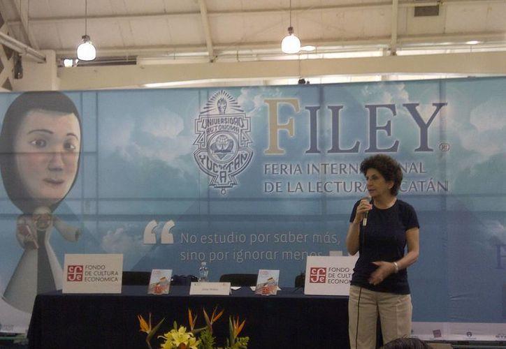 La campechana Silvia Molina ha escrito más de 20 libros dirigidos para niños. (SIPSE)