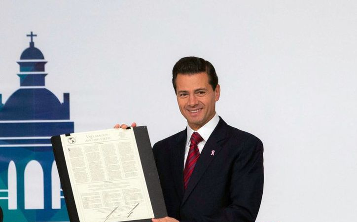 En 2012, Peña Nieto sorprendió al anunciar un pacto entre todas las fuerzas políticas del país: el Pacto por México. La imagen corresponde a un evento de la Sociedad Interamericana de Prensa en al Ciudad de México, en octubre de 2016. (Presidencia)