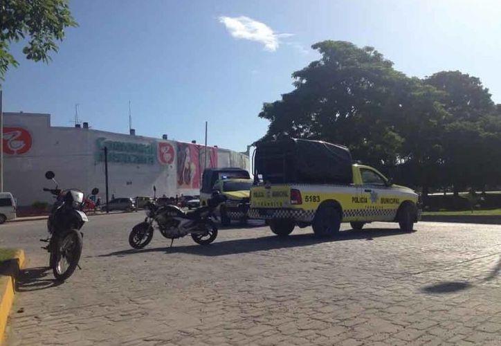 Hoy por la mañana la policía judicial detuvo en la avenida Tulum a dos presuntos extorsionadores. (Foto de contexto/SIPSE).