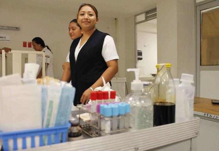 La Secretaria de Salud realizó el censo de los materiales e insumos para garantizar su abasto. (Paloma Wong/SIPSE)