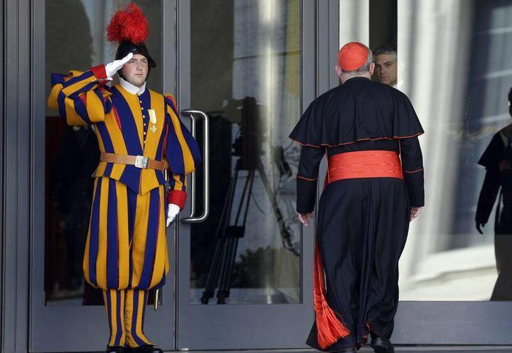 La Iglesia Católica debe modificar la forma en que las autoridades del Vaticano son elegidas, consideran. (Agencias)