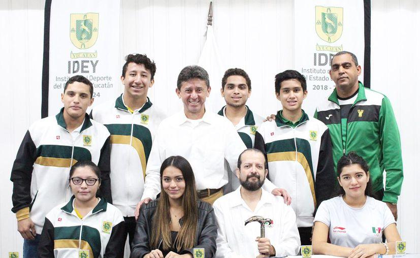 El equipo de esgrima de Yucatán destacó en la Ciudad de México.(Foto:Milenio Novedades)