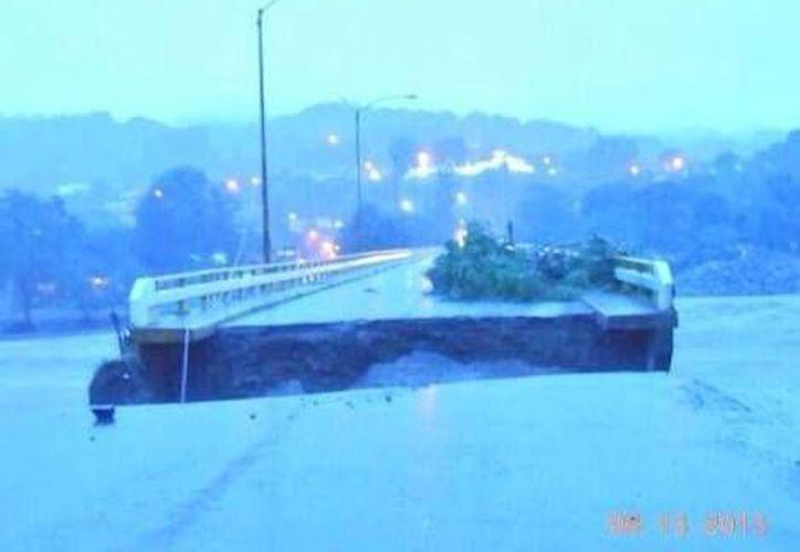 Así quedó el puente Misantla-Martínez de la Torre. (Twitter)