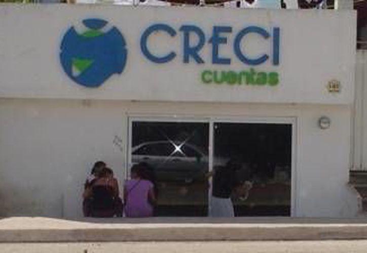 """La sociedad financiera """"Crecicuentas"""" cerró sus instalaciones. (Milenio Novedades)"""
