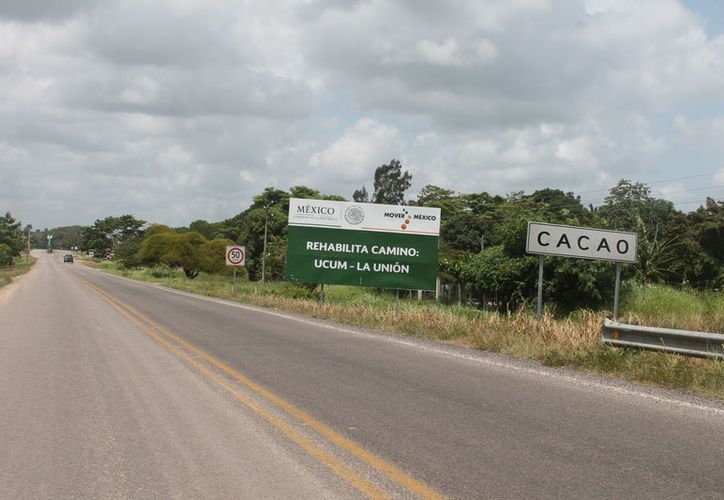 Habitantes de la comunidad de Cacao denuncian que llevan una semana sin energía eléctrica. (Carlos Castillo/SIPSE)