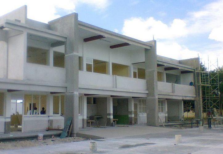 El funcionario indicó que en relación a 2012 se construyeron 10 aulas más que en 2013. (Cortesía/SIPSE)