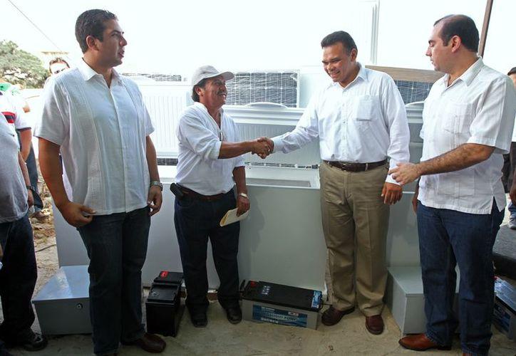 Las neveras solares fueron entregadas a la cooperativa 'Punta Kopté'. (Cortesía)