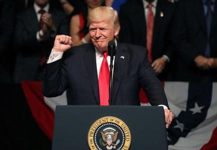 Donald Trump indicó que las cifra sobre la violencia en México son un motivo más para edificar el muro fronterizo. (El Financiero)