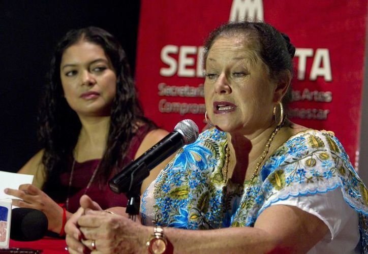 La actriz mexicana Angélica Aragón presentará en Yucatán 'Su majestad el bolero'. En rueda de prensa, en Yucatán, mencionó que el 20 de junio, en el marco del cierre del Festival de la Primavera Cultural, compositores e intérpretes del bolero, serán reconocidos en esta ciudad. (Notimex)