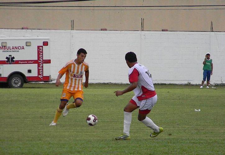 Pioneros de Cancún continúan invictos en el Clausura 2013, luego de 4 jornadas, pero con el historial manchada, tras conseguir su primera igualada contra Cuautla. (Ángel Mazariego/SIPSE)