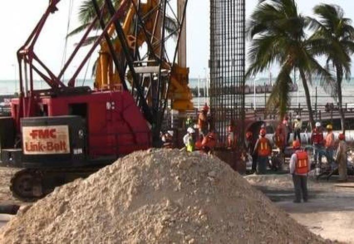 En seis meses debe concluir la primera etapa del viaducto alterno que se construye en el puerto de altura de Progreso. (SIPSE)