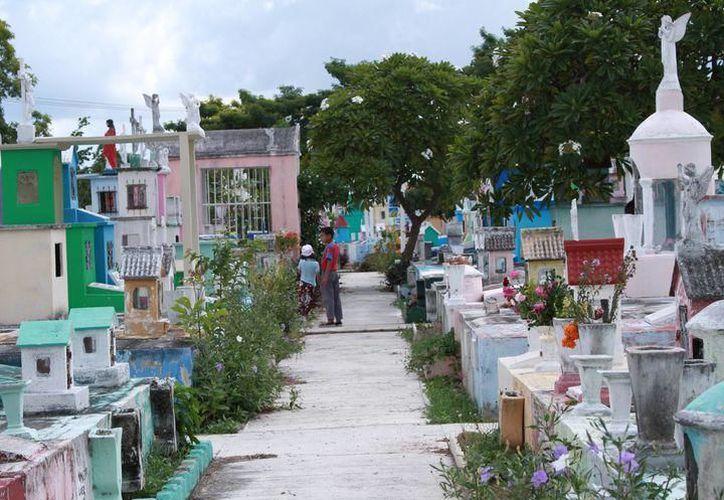 El hecho ocurrió a un costado de una tumba del cementerio Xoclán, en Mérida, Yucatán. (SIPSE)