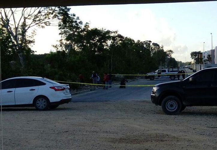 Las autoridades de Seguridad Pública acordonaron la zona. (Eric Galindo/SIPSE)