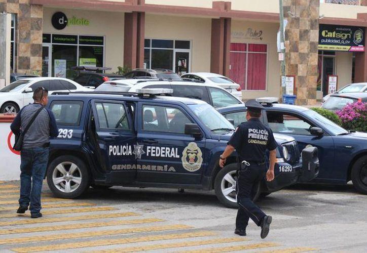 El sábado pasado, elementos de la Gendarmería Nacional, arribaron a Playa del Carmen. (Octavio Martínez/SIPSE)