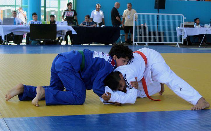 Las medallas de oro que Yucatán obtuvo este domingo en judo fueron clave para que el Estado pasara del 4o al 5o lugar en el medallero de la Olimpiada Nacional 2017. (Marco Moreno/SIPSE)
