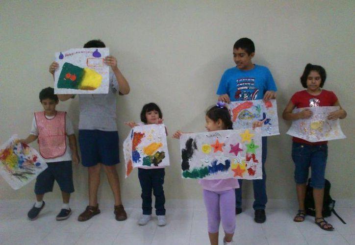Niños autistas durante una de las actividades que realizan en MIRA. (Facebook Mira Ac Autismo)