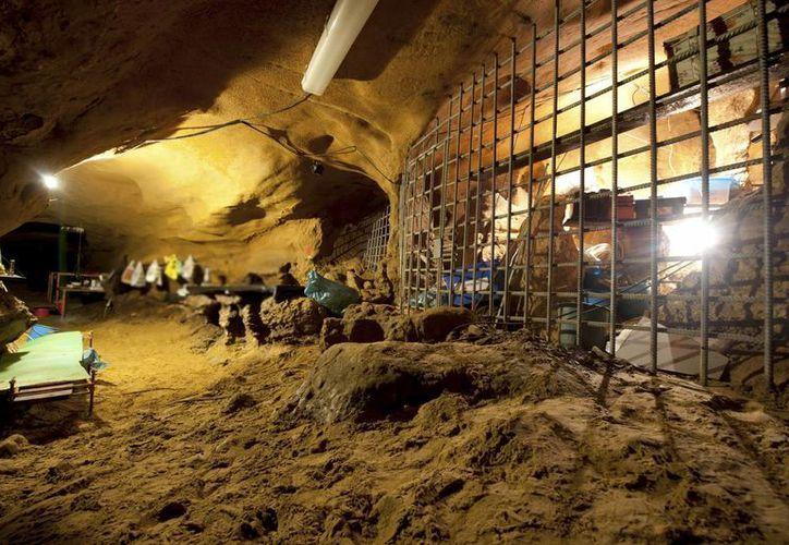 Vista del interior de la cueva de El Sidrón, en la región de Asturias. (EFE/Archivo)