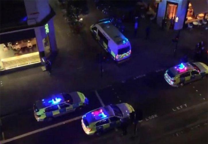 Un taxista arrolló a varias personas en el centro de Londres. (Twitter).