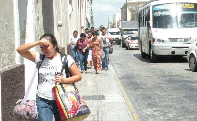 Para este domingo se pronostica calor durante el día y lluvias vespertinas en Yucatán. (Miguel González)