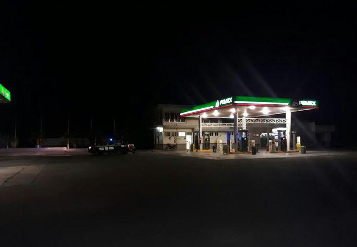 Un par de sujetos se llevaron el dinero de la gasolinera ubicada en la Prolongación Álvaro Obregón, Chetumal. (Foto: Redacción)