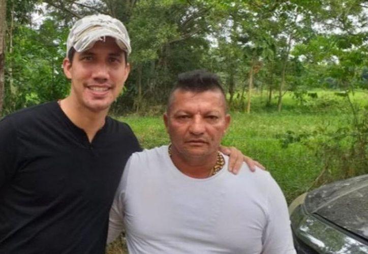 El diputado opositor aparece retratado en fotos junto a dos líderes de esta banda criminal. (Foto: Twitter)