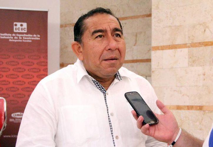 Manuel Bonilla Ocampo, titular de la Japay, precisó que el consumo de agua por personas en la ciudad de Mérida y zonas conurbada en días de temperatura media asciende a 200 litros en promedio. (José Acosta/SIPSE)