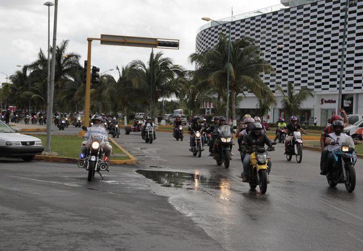 Más de 400 motociclistas participaron en la celebración. (Tomás Álvarez/SIPSE)