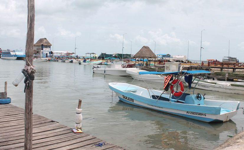 El puerto fue cerrado para la navegación menor. (Gloria Poot/SIPSE)