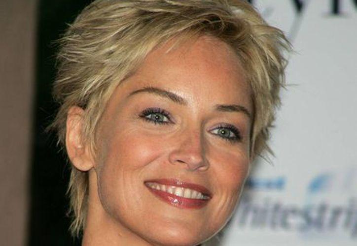 """La demandante también dijo que Sharon Stone la llamó """"loca"""" y """"estúpida"""". (www.celeb-face.com/Archivo)"""