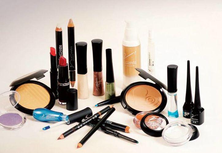 El operativo se realizó en la planta Swan Cosmetics de México, en la Ciudad de México. Aseguran que la materia prima con que se fabrican los maquillajes son peligrosos. (Milenio Digital)