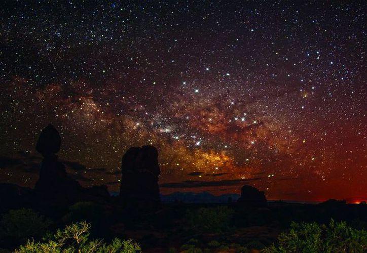 La Noche de las Estrellas es un evento nacional que comenzó en 2009 en México y que fue retomado de Francia, país invitado cada año. Imagen de contexto del cielo estrellado, en alguna parte de México. (Archivo/Notimex)