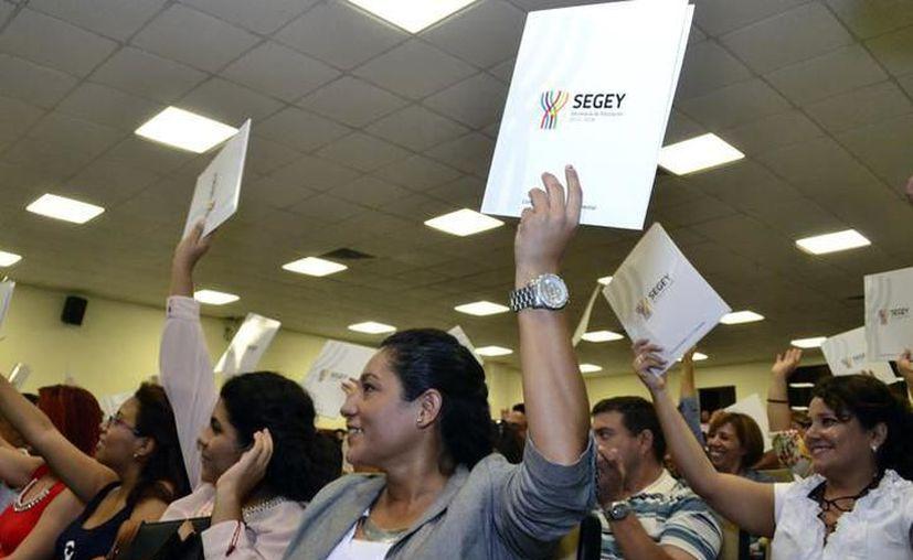 Los representantes del gremio magisterial solicitan para los maestros que no presenten la evaluación no tengan consecuencias legales. (SIPSE)