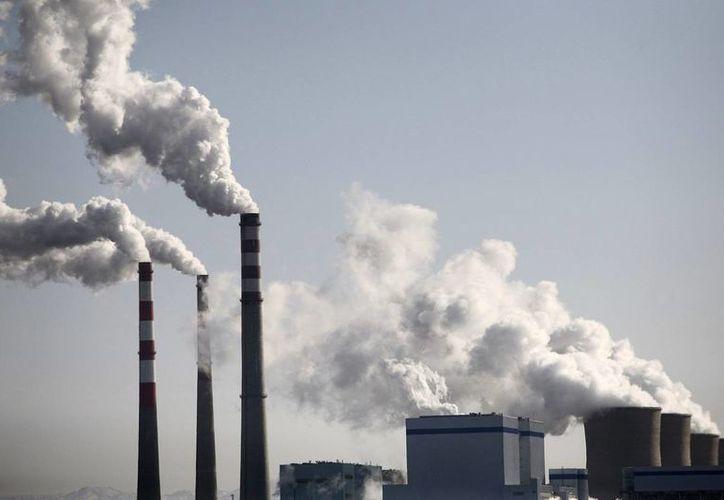 Imagen de contexto. La legislatura del estado de Washington crearía un impuesto al carbono de 25 dólares por cada tonelada métrica de emisiones por combustible fósil. (stbdeacero.com)
