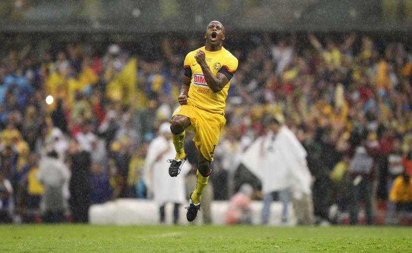 'Chucho' Benitez falleció el lunes de un paro cardiorrespiratorio en Qatar. (EFE)