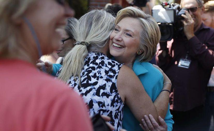 Según una encuesta, Clinton estaría 10 puntos por encima de Trump en las preferencias electorales. (AP/Carolyn Kaster)