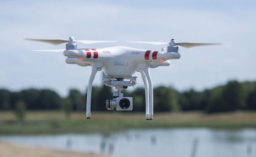 El bajo costo y la capacidad todo terreno ha convertido a los drones en el vehículo más eficiente para los operativos militares en zonas remotas o de difícil acceso. [Foto: Pexels]