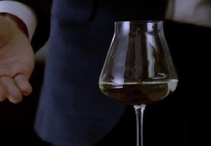 Imagen correspondiente al corto del largometraje 50 sombras de Grey, próximo a estrenarse. (Captura de pantalla de YouTube)