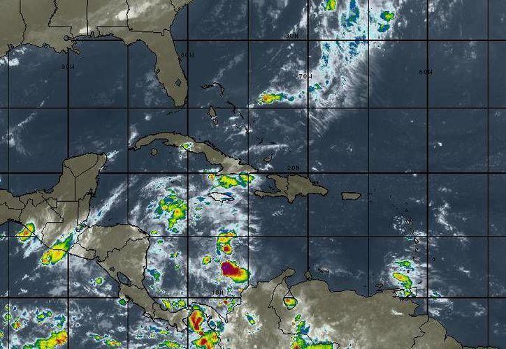 Continúa la entrada de aire marítimo tropical con poco contenido de humedad en Quintana Roo. (Redacción/SIPSE)