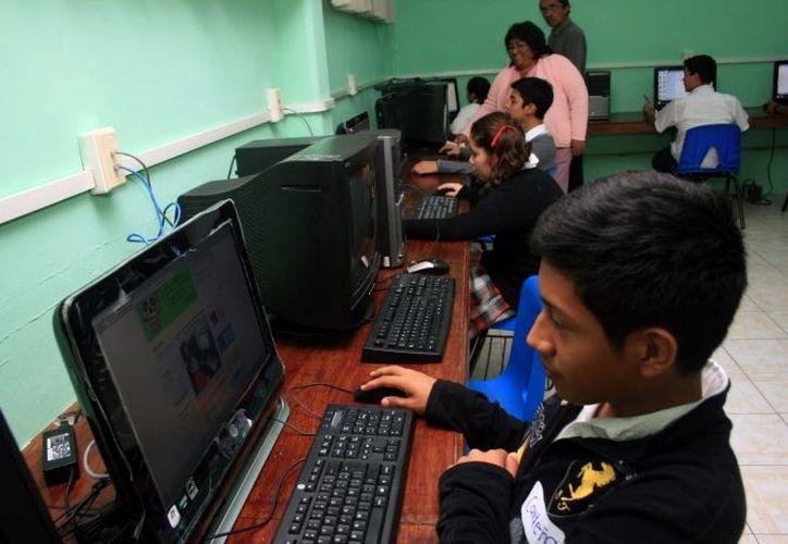 Hay cerca de 250 mil estudiantes en 500 planteles educativos. (Archivo SIPSE)