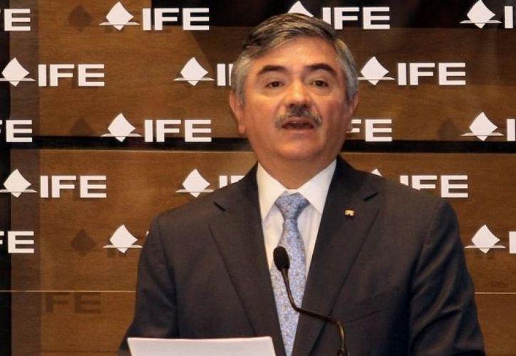El presidente del IFE destacó que reflexionar sobre el uso de las encuestas permitirá consolidar la democracia mexicana. (Archivo Notimex