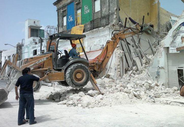 En el Centro Histórico de Mérida se han identificado 29 predios en riesgo de caer. (Jorge Pallota/SIPSE)